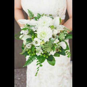 white & green natural bridal bouquet