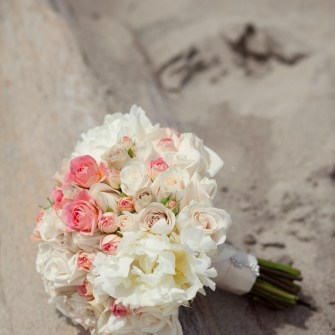 pink white casual beach bridal bouquet