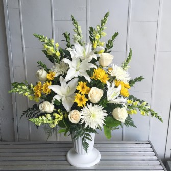 Medium white & yellow urn arrangement