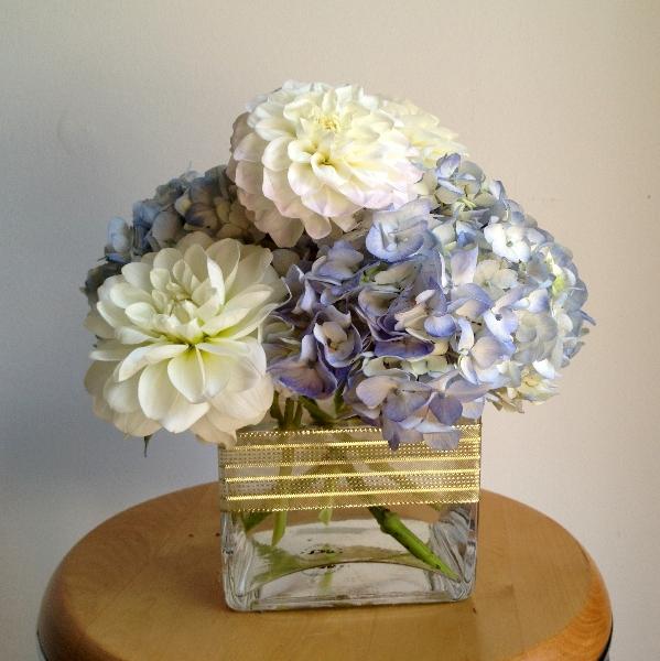 Blue Flower Centerpieces For Weddings: Flower Arrangements