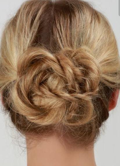chignon fleur Florence coiffure à domicile