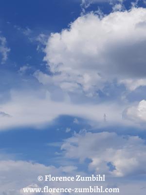 Wolkenwesen und Engelwesen von Florence Zumbihl