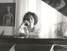 French Pianist Élizabeth Herbin