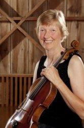 Evelyn Grau violist