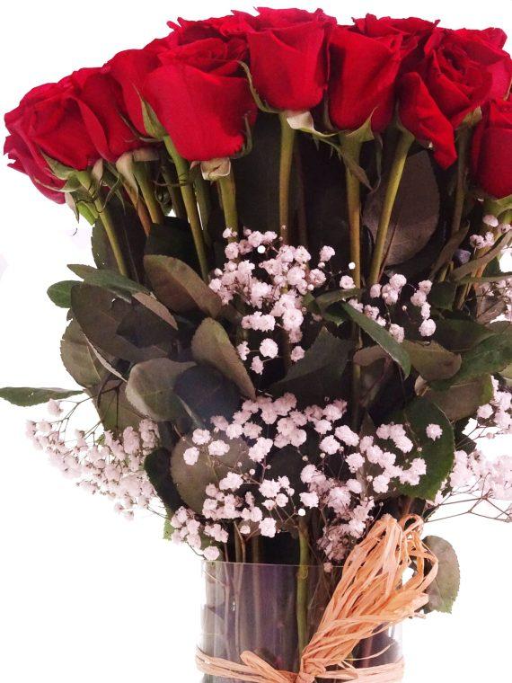 Enamora con detalles florales.