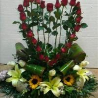 Arreglo floral en forma de corazón E2