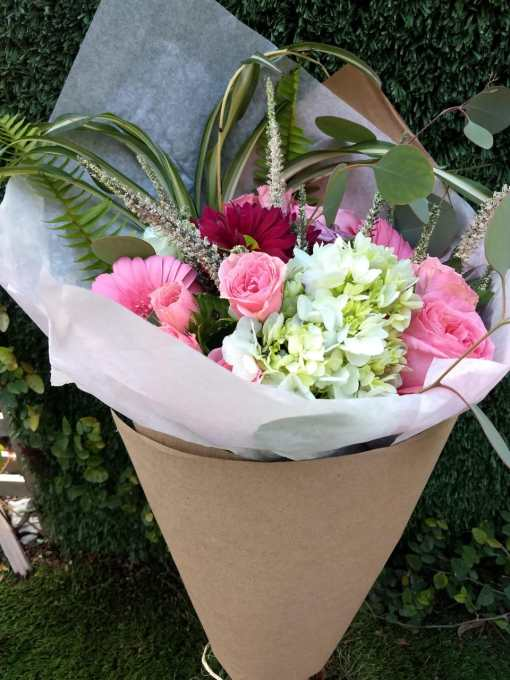 Hermoso Bouquet de Hortencias, Gerberas y Rosas BOU180