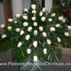 Cubre cajas de rosas blancas para funeral - FU12