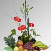 Arreglo Frutal en canasta con flores - FR6