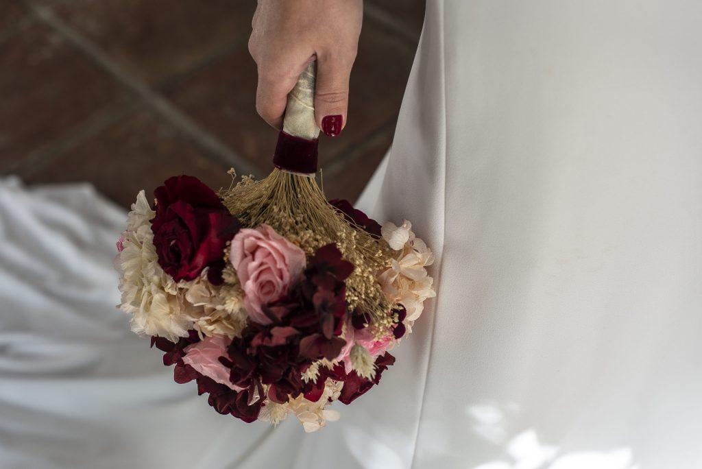 ramo de novia con flores preservadas.
