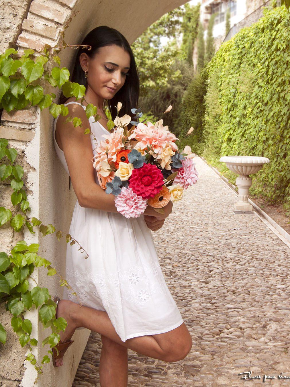 ramo de novia con dalias de papel