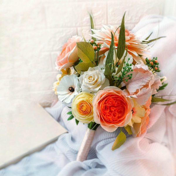 bouquet de flores de papel crepé, flores para siempre, flores de papel crepe