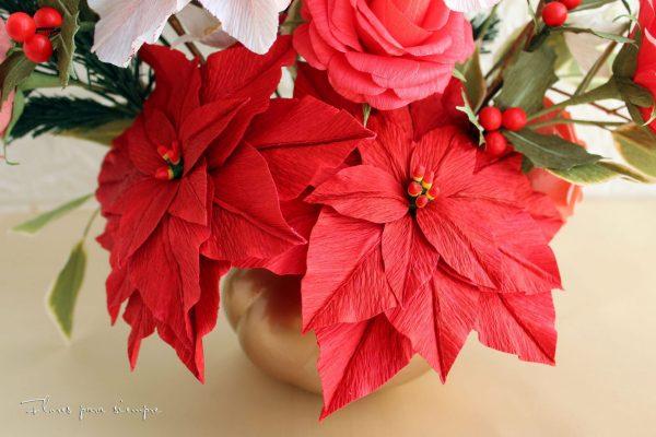 flor de pascua roja de papel crepé italiano