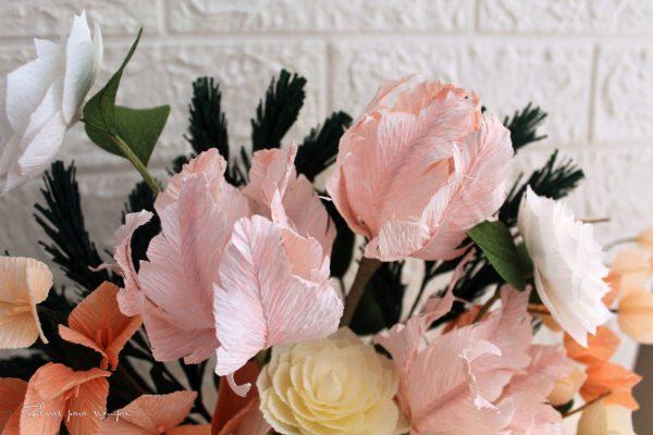 tulipanes loro rosas de papel crepé o papel crespón