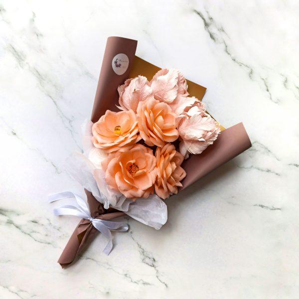 ramo con 12 flores de papel