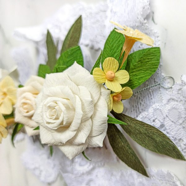 Tocado de rosas de papel crepé