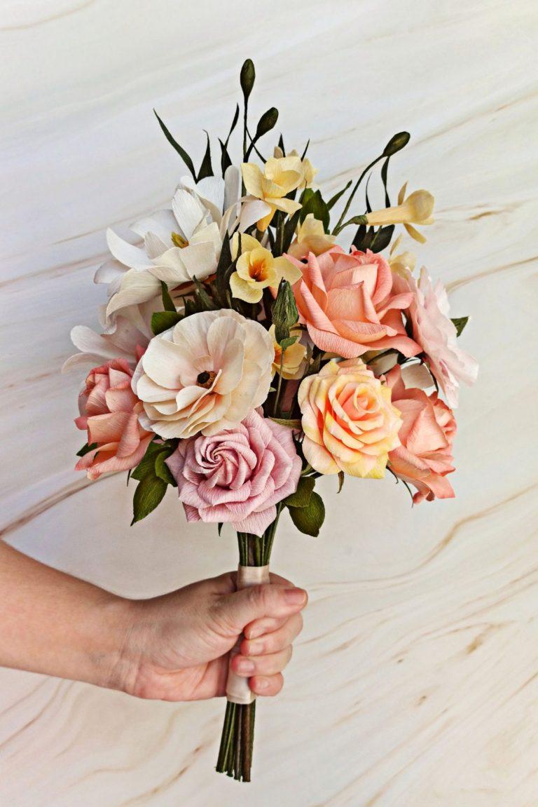 arreglo de flores de papel, ramo de novia de papel, flores para siempre, flores de papel crepe