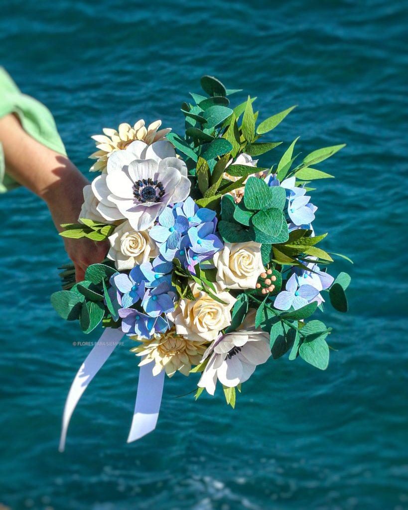 Ramo flores papel crepé, ramo novia papel, flores para siempre, ramo hortensias de papel, flores de papel crepé españa, crepe paper wedding bouquet