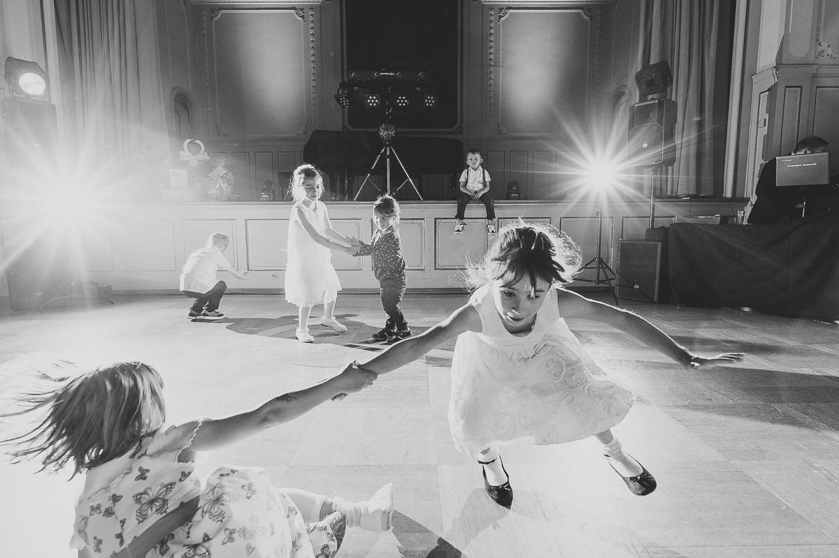 hochzeitsreportage_hochzeitsfotografie_frankfurt_rhein-main_florian_leist_hochzeitsfotograf_carina_kolja_wedding_photography_portrait_jornalismus_hochzeitsjornalismus_0030