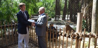 Braman Motorcars Presents $25,000 Check to the Palm Beach Zoo