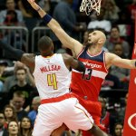 John Wall scores playoff-best 32 as Wizards beat Hawks in Game 1