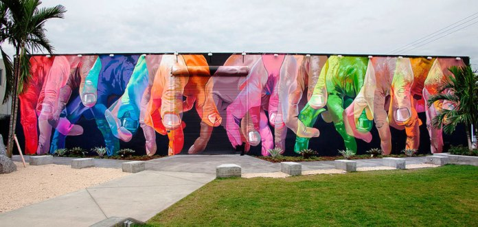 CaseMaclaim Murals at Wynwood Walls Communicate Strong Messages