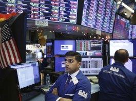 US Stocks Plunge Before Christmas