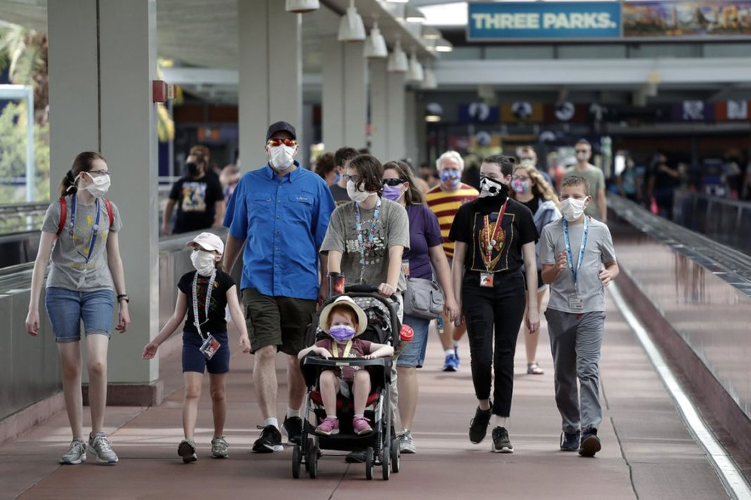Bars, theaters reopen in most of Florida from coronavirus