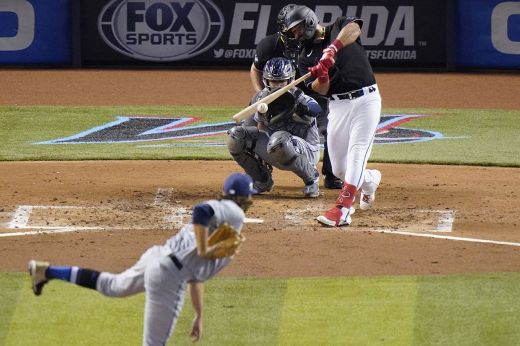 Rookie Fleming, Rays hold Marlins to 3 hits, win 4-0