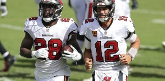 Brady, Fournette lead Bucs over Panthers 31-17