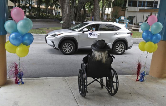 DeSantis will lift the state's ban on visiting nursing homes