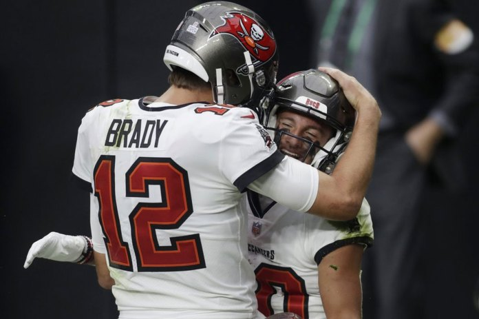 Brady flourishing, Belichick floundering