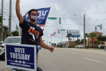Voting registration drive by Palm Beach County Democrats