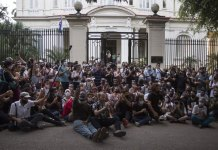Cuban government agrees to dialogue with artists after demonstration
