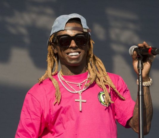 Rapper Lil Wayne charged with federal gun offense in Miami