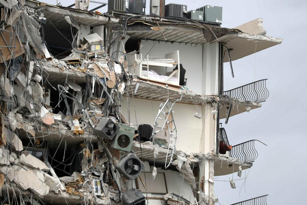 Many feared dead after Surfside beachfront condo collapses