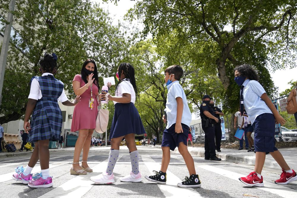 The coronavirus is disrupting more classrooms in Florida
