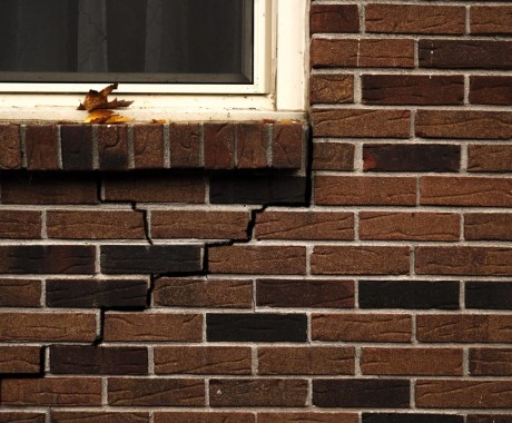 Can a Foundation Crack on a New Home?