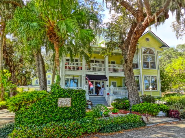 River Lily Inn - A Luxury Bed & Breakfast in Daytona Beach Florida