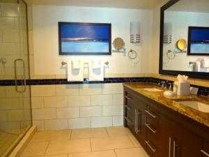 Marriott Crystal Shores Master Bath