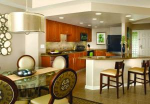 Marriott Royal Palms Kitchen and Dining Room