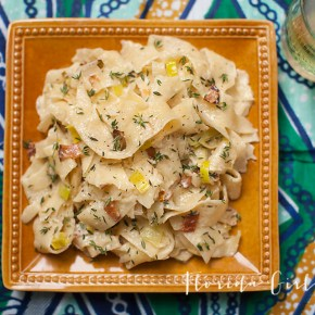 creamy pappardelle with leeks and bacon, weeknight dinner, pasta, leeks, bacon
