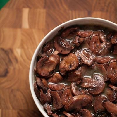 mushroom wine sauce, mushrooms, steak sauce, dinner, entertaining