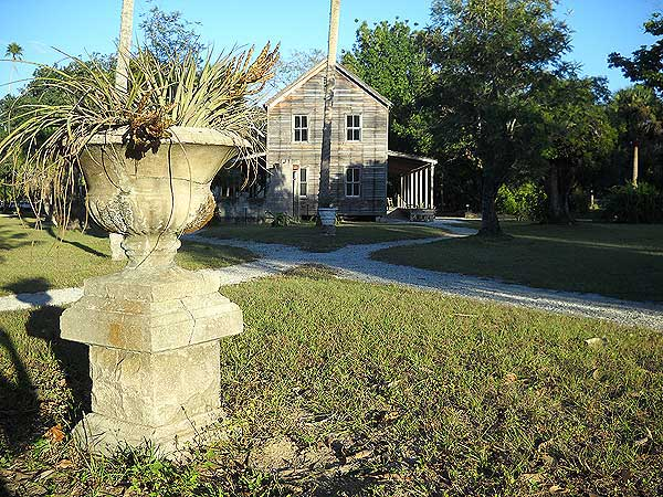 Historic buildings at Koreshan State Park