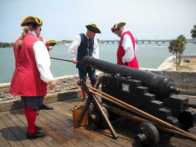Firing the cannons at Castillo de San Marcos