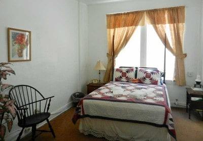 Room at historic Hotel Jacaranda in Avon Park