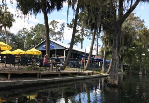 Swampy's is an open-air waterfront restaurant in Dunnellon. (Photo: Bonnie Gross)