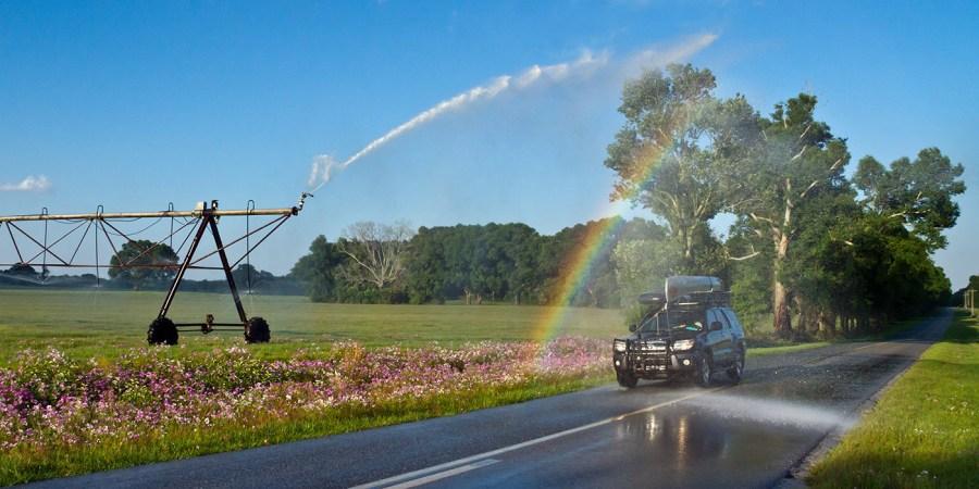 center pivot rainbow running sprgs.1088