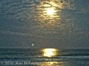 Super lune sur la plage de New Smyrna Beach