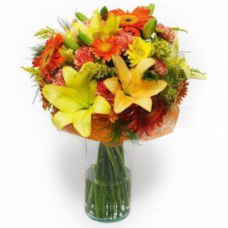 ramo-de-gerberas-lilium-y-margaritas-en-tonos-naranjas-y-amarillos